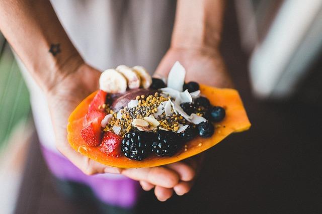 ¿Es bueno comer fruta después de la cena?